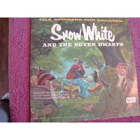 Snow White & The…