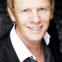 Paul Nicholas