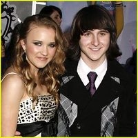 Emily Osment en Mitchel Musso dating 2013
