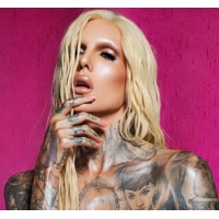 Jeffree star love rhymes with fuck you